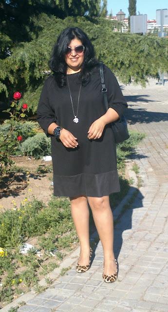 vestido negro en talla grande