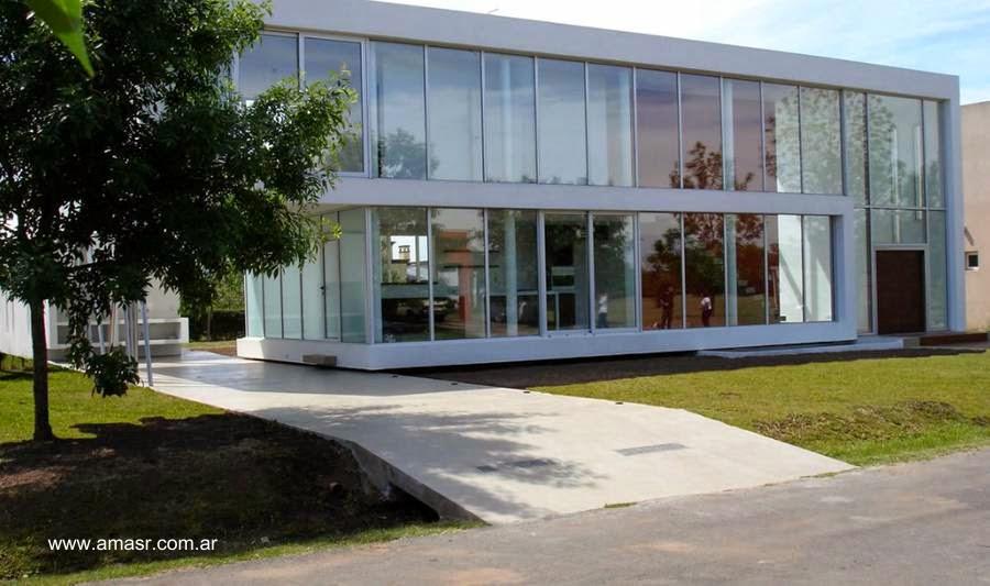 Casa de suburbio diseño contemporáneo de dos plantas