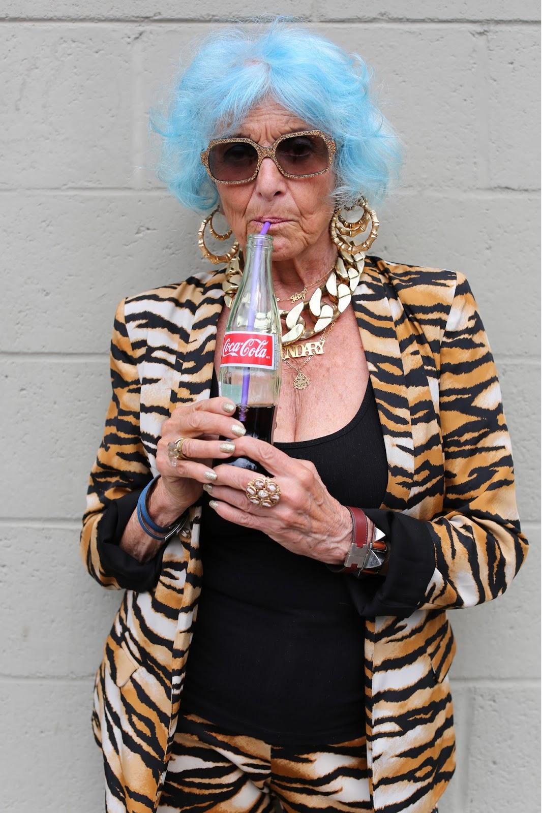 Streetstyle cực chất của những fashionista bô lão ảnh 26
