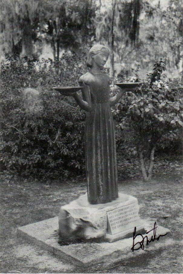 Savannah georgia photos mercer williams house savannah ga for Garden of good and evil statue