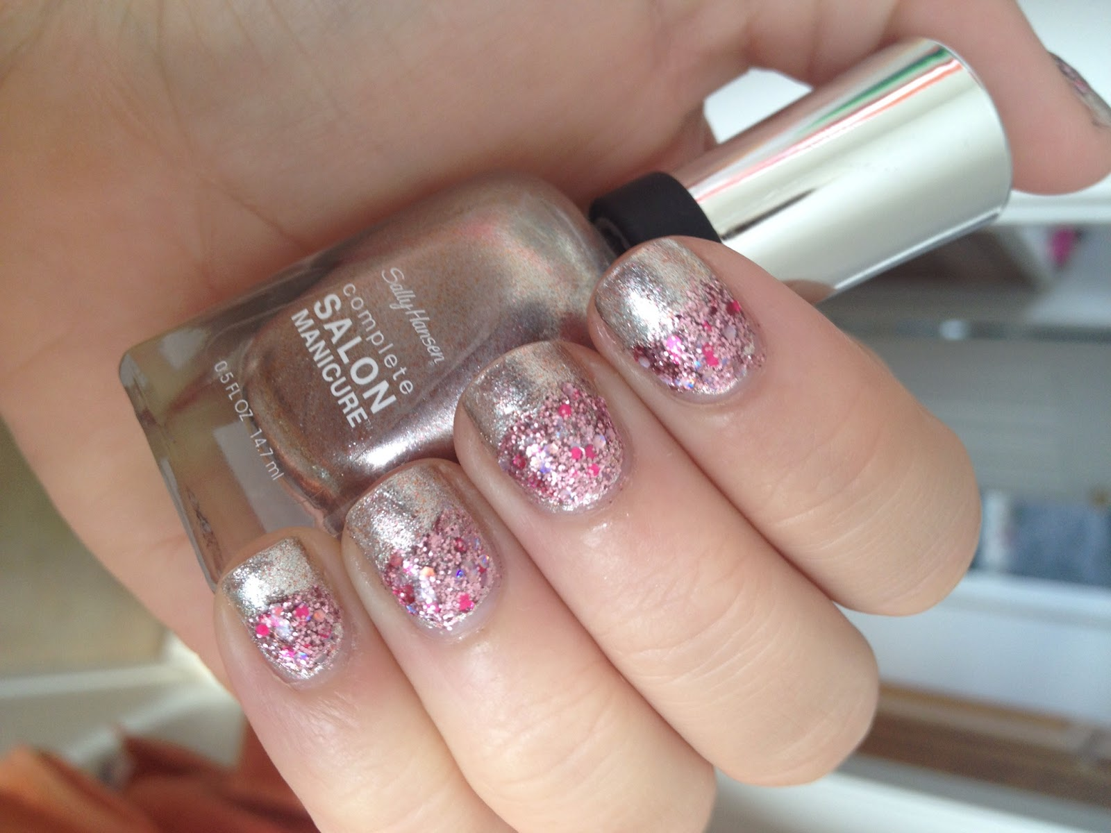 The Sparkle Spectrum: NOTD: Sally Hansen Complete Salon Manicure ...