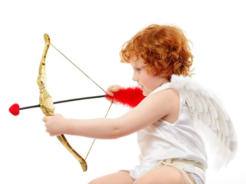 ·Cupido solo se ríe de nosotros·