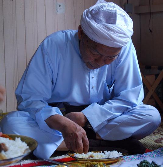 http://4.bp.blogspot.com/-iJZ2lWGycbY/TlTNfd98FOI/AAAAAAAAAco/Rm6eC2vLPHM/s1600/Tok-Guru-Nik-Aziz.jpg