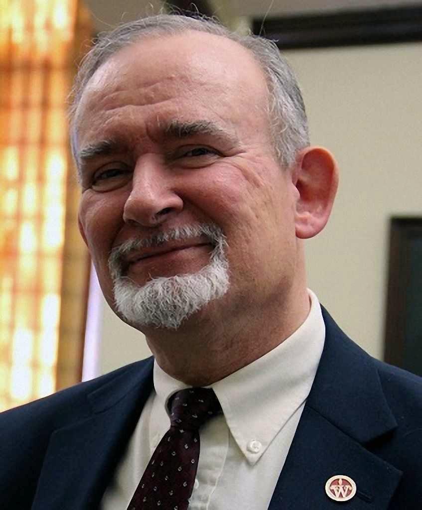 Prof. Lawrence Mykytiuk, autor do trabalho