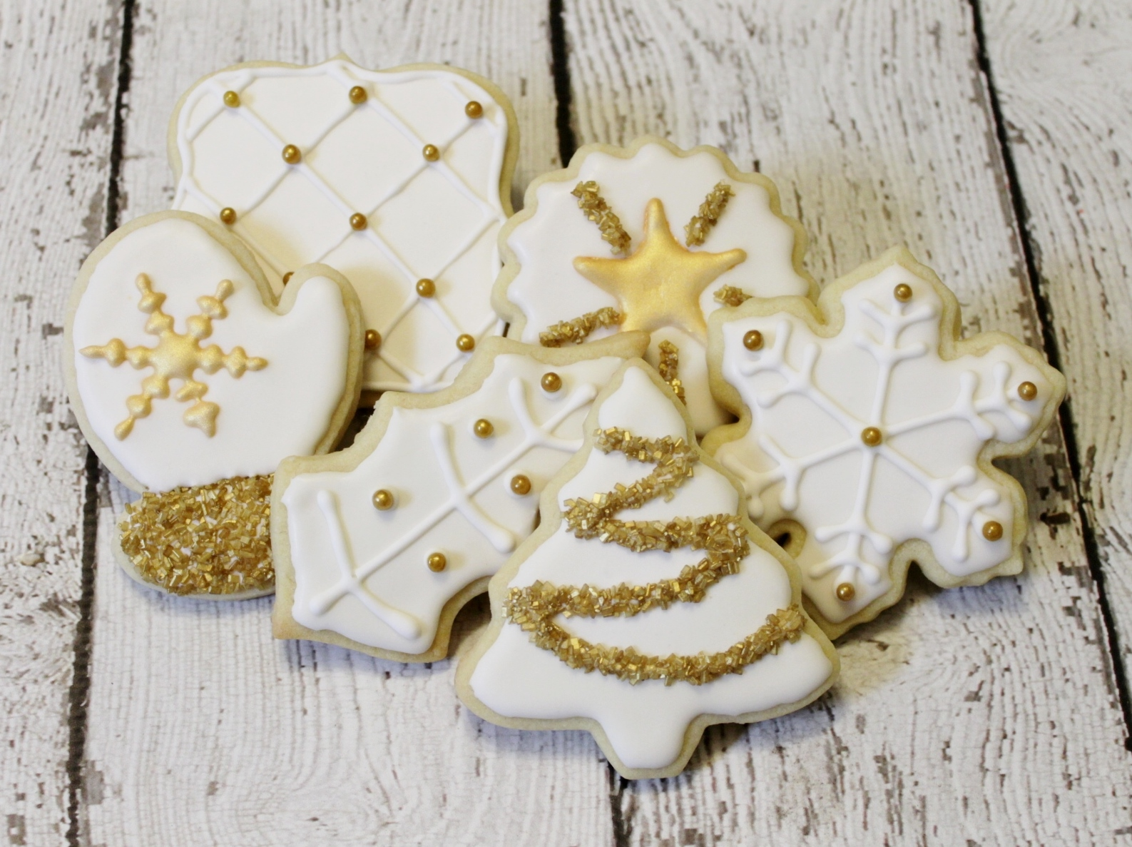Demoss Designs White And Gold Christmas Cookies