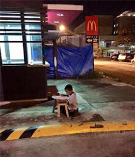 Rumah Terbakar, Budak Tumpang Lampu McDonald Untuk Belajar