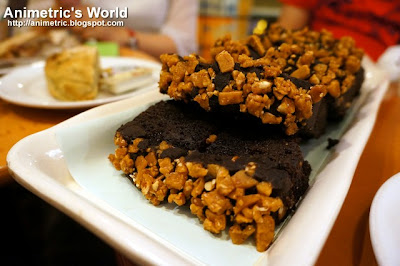 Chocolate Toffee Nut Loaf at Starbucks