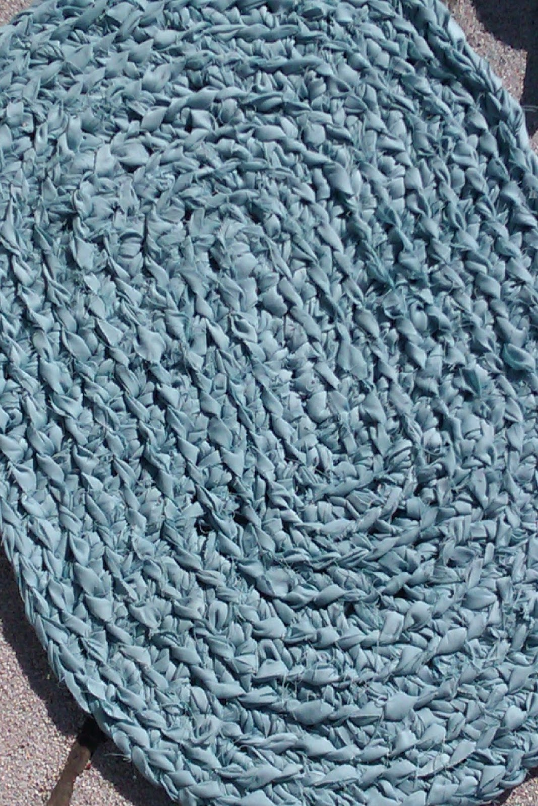 Free Crochet Pattern For Oval Rag Rug : Crocheted Oval Rag Rug Ronnie Lodgee