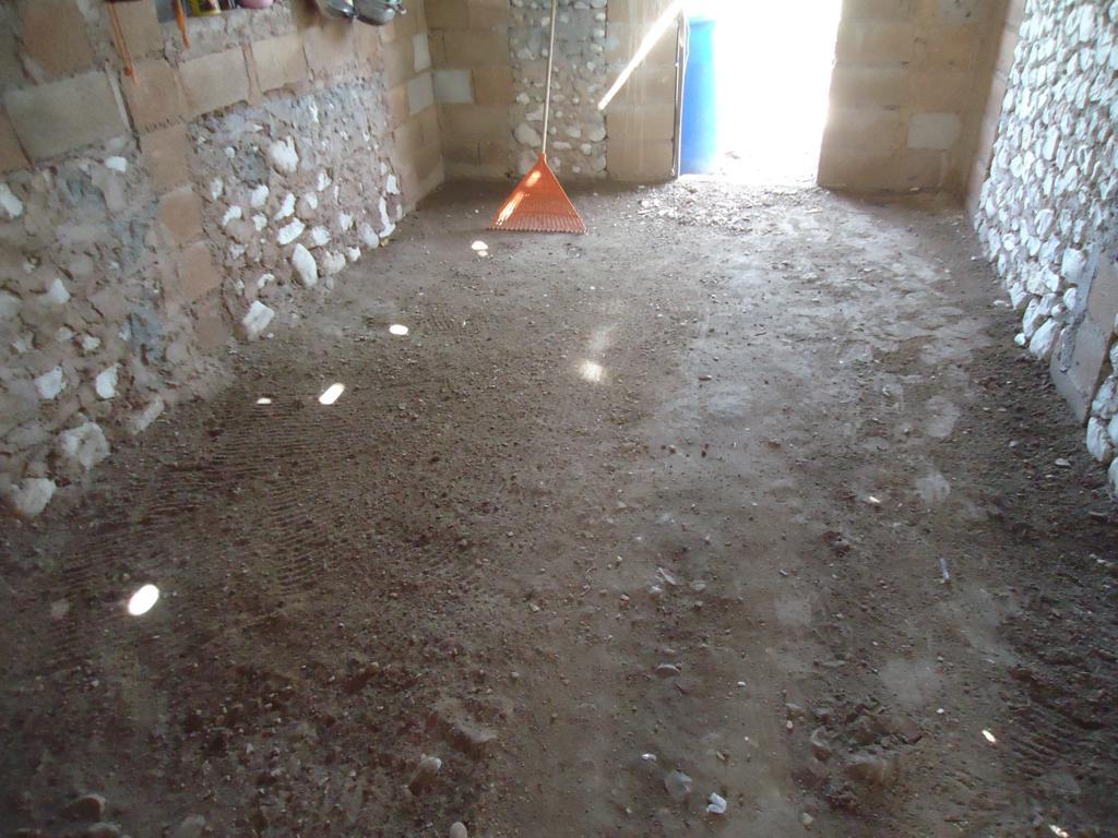 Plan social en aumento cuantifican 443 cambios de pisos de for Nivelar piso de tierra