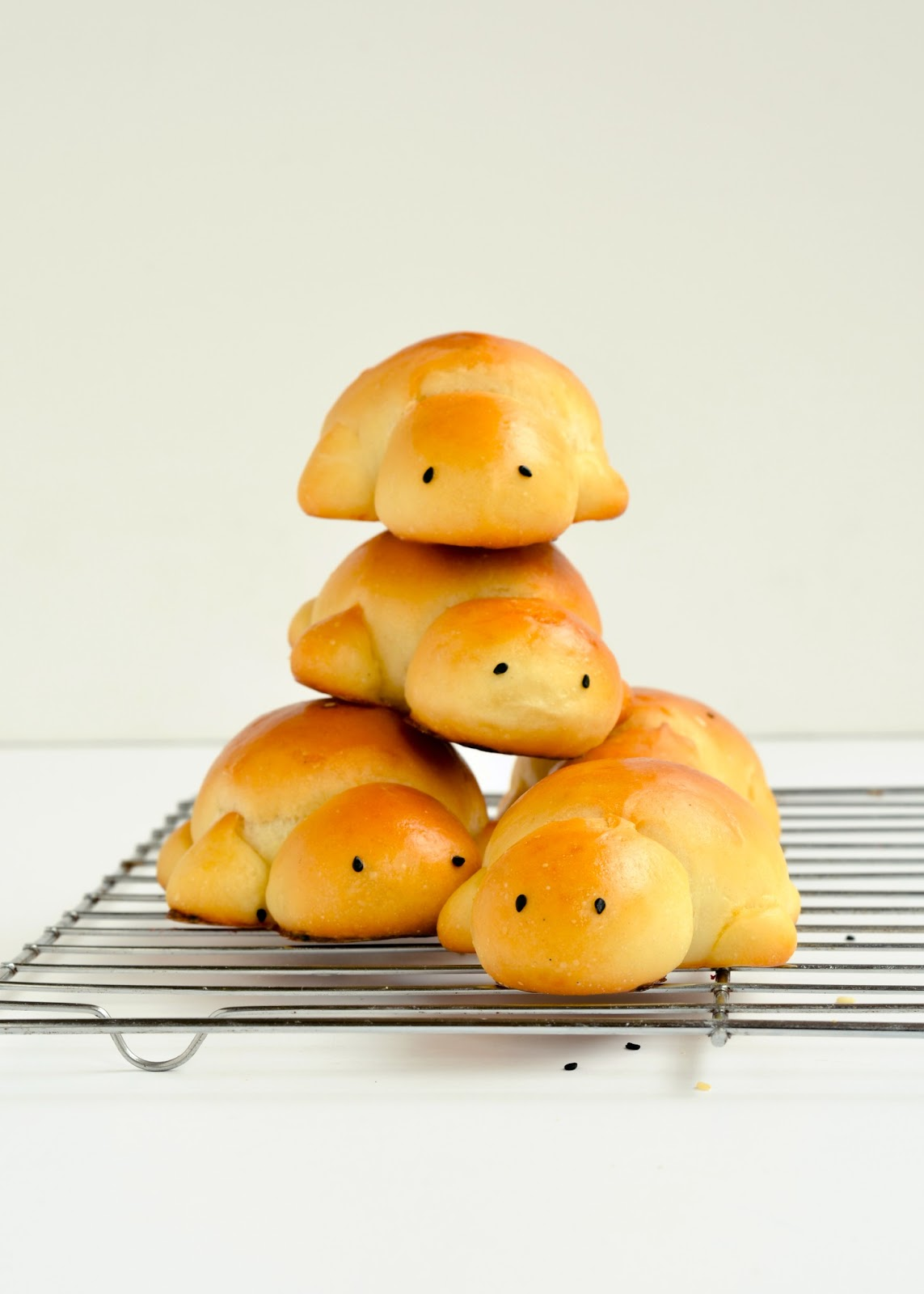 ... Lunch hall foods/-/ Sweet milk turtle bread | The moonblush Baker