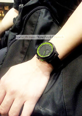 cuckoo wrist watch color black