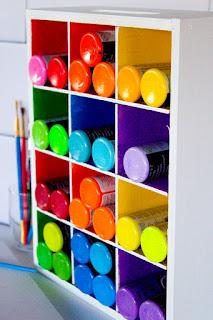 http://4.bp.blogspot.com/-iKrpRSt1KXM/VqaR-l05AWI/AAAAAAAAQHs/yjNKLdpMZ08/s320/Paint-Storage-Caddy-6.jpg