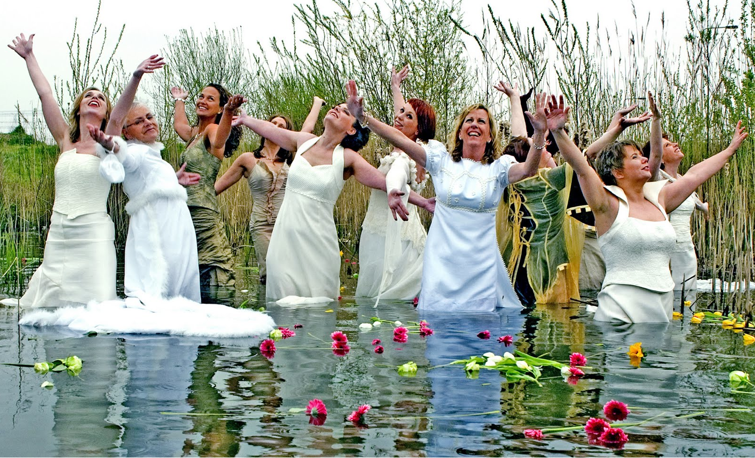 Bridesmaids Sink Scene Submited Images