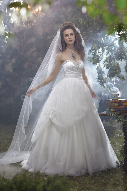 Vestido de novia inspirado en la bella durmiente