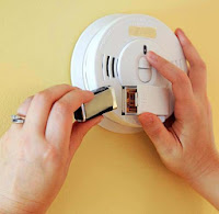 CSPC: Changing smoke detector battery
