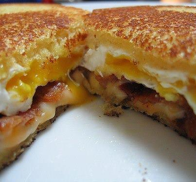 ... blue cheese fried egg sandwich with bacon and blue cheese egg sandwich
