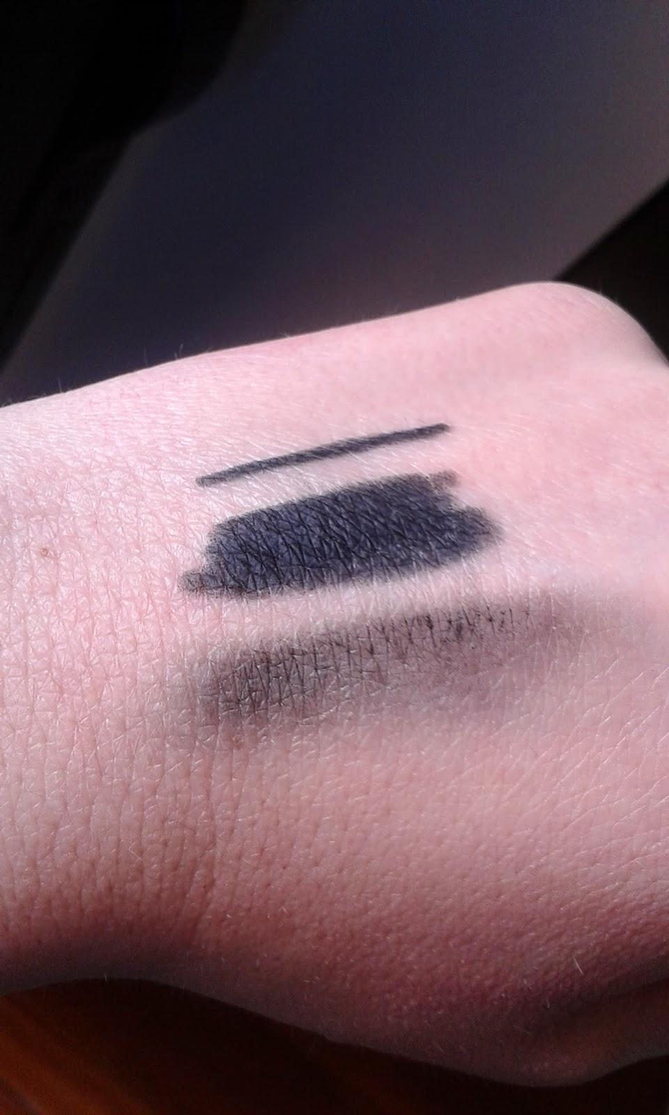 swatch matita nera di aegyptia