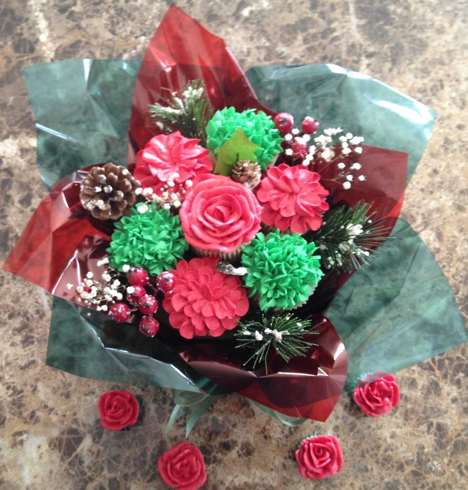 Michelles cupcake bouquets i couldnt resist i just had to do a christmas themed designs one of my favourite times of the year izmirmasajfo Image collections