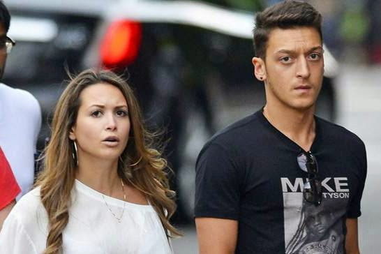 Mandy Capristo pacar Mesut Özil