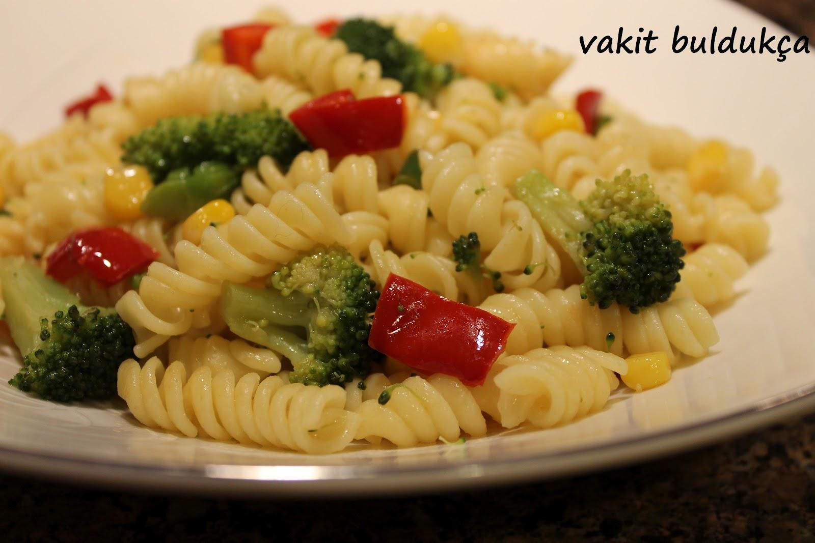 Sebzeli Kış Makarnası