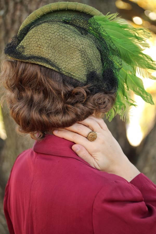 1940s Hat Detail #40s #hat #vintage #accessory #feather #green