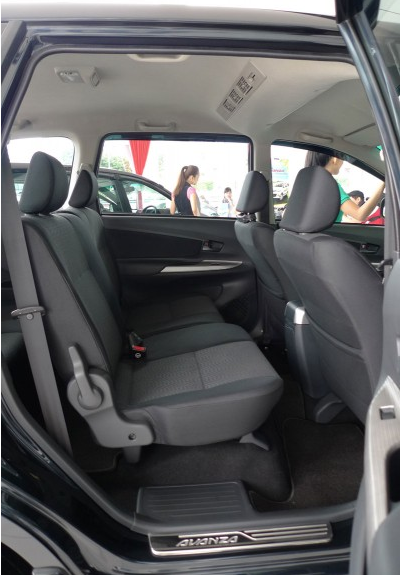 Gambar Toyota MPV Avanza Baru 11