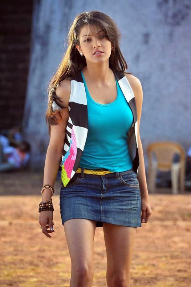 Hot Kajal Agarwal in T Shirt