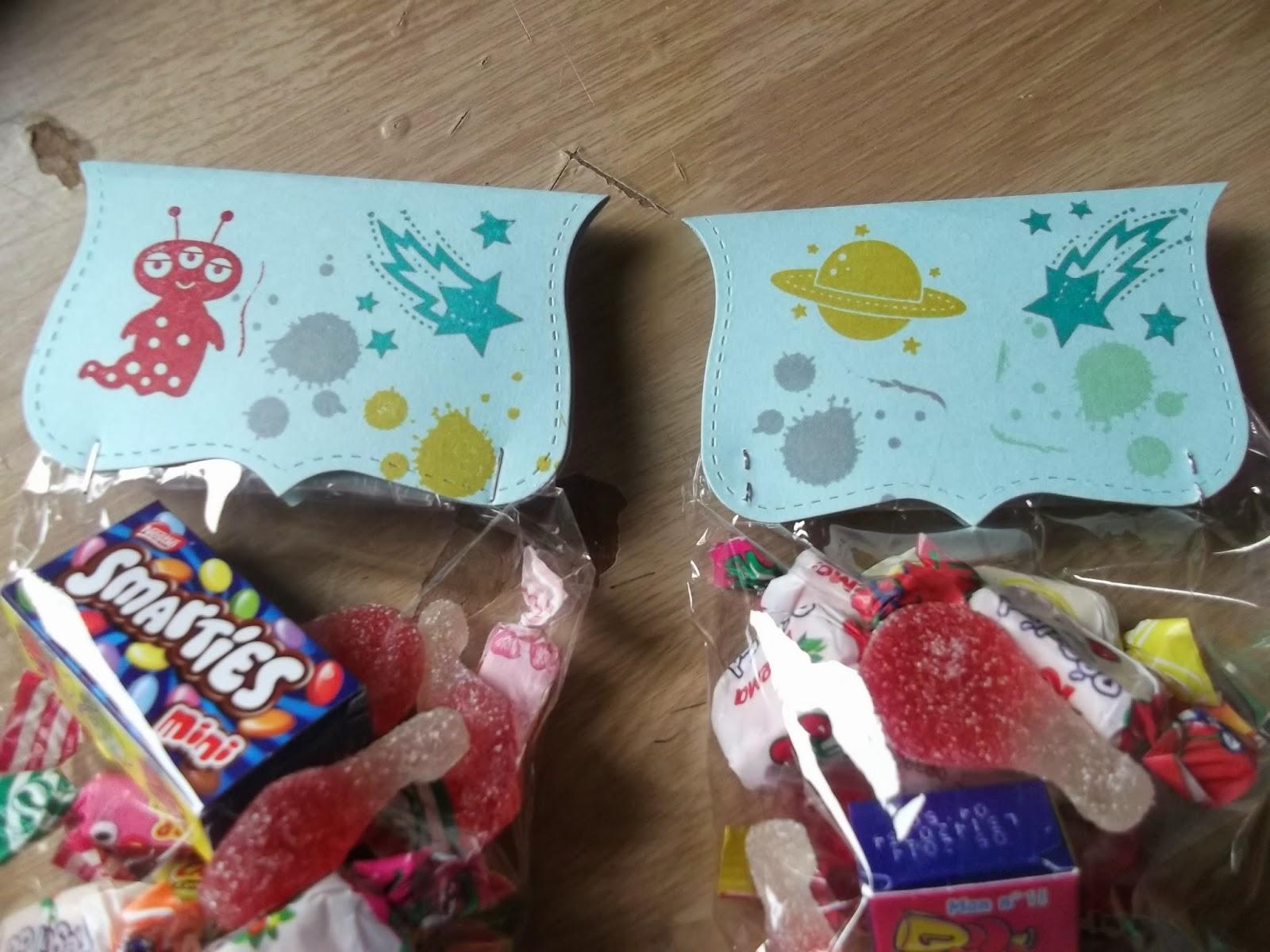 Le scrap de bibi29 la carte anniversaire de johan et ses sachets bonbons - Fabriquer sachet bonbon anniversaire ...