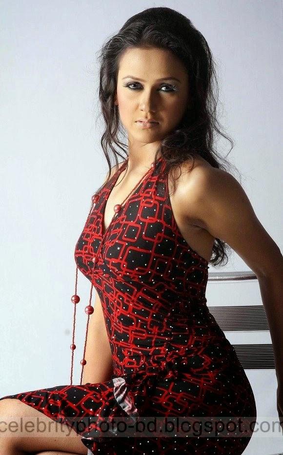 Top+10+Most+Beautiful+Bangladeshi+New+Film+Actress+Latest+Photos005