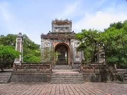 Thăm lại Cố đô Hoa Lư - Nhà thờ đá Phát Diệm