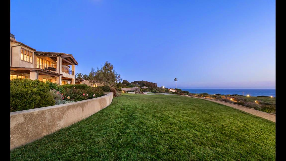 It was a moment that full of glamorous ensembles as Lady Gaga allowed her $23 Million to purchased an impressive mansion at Malibu, CA, USA.