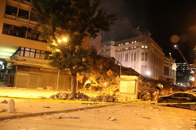 Imagem local onde ficavam os prédios que caíram no RJ