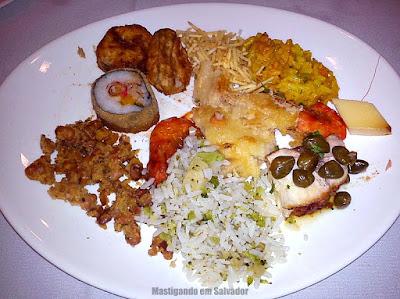 Rincão Grill: Prato com opções do buffet