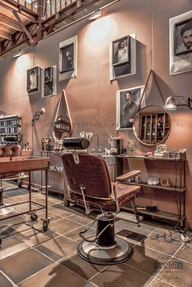 Eternamente flaneur barber a estilo loft - Ideas para decorar una peluqueria ...