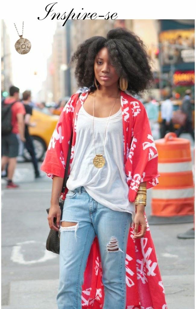 blog de moda - roupas femininas- calça jeans feminina-calça destroyed-calça rasgada-moda feminina-roupas da moda-regata femininina branca- regatas femininas - blusas da moda- bolsa tiracolo vermelha-brincos grandes-brincos pequenos-pulseiras - colar longo- salto alto-headband- -oculos de sol - PORTA ÓCULOS FLAMINGOS