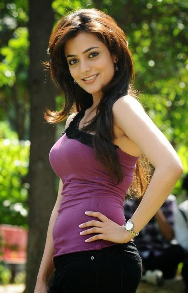 Images of Nisha Aggarwal 5