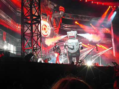 Muse and Charles the Robot at The Emirates Stadium