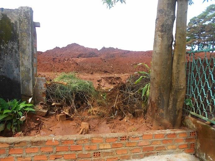 TP. Pleiku: Lũ quét trên đỉnh đồi, gây thiệt hại nghiêm trọng lần thứ hai cho người dân