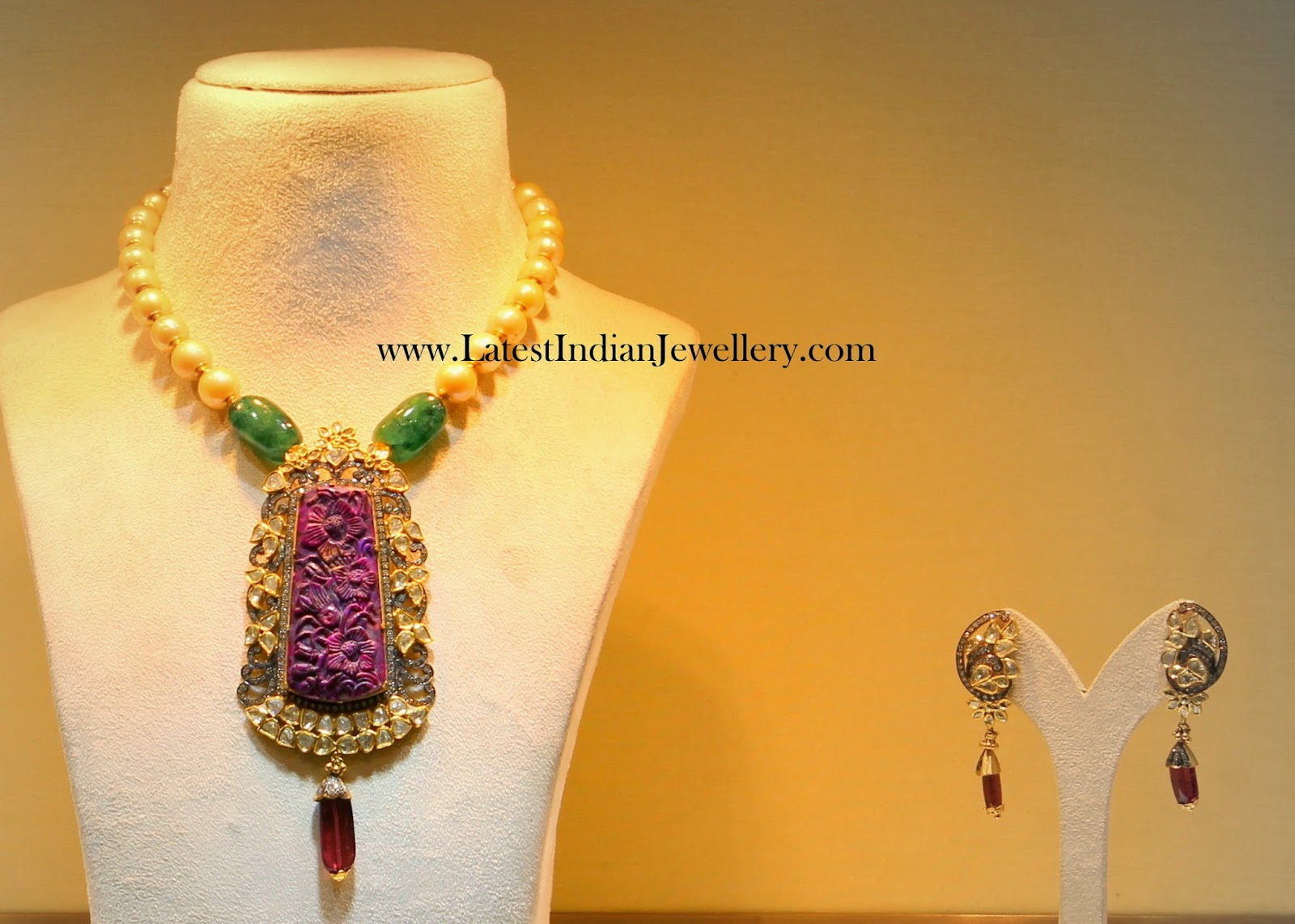 Unique Pearl Necklace with Crafted Ruby
