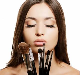 how-to-clean-make-up-brushes-at-home - تعلمى معنا كيفية وضع المكياج للمبتدئات من الألف للياء