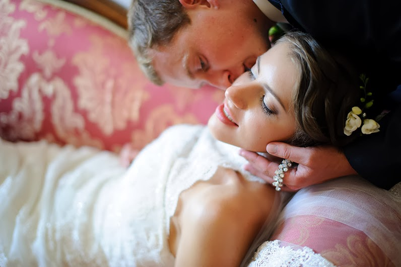 romantiškos vestuvių nuotraukos pilyje