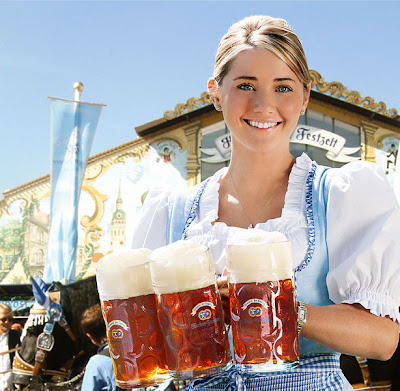 Hacker-Pschorr Oktoberfest Girl in front of Hacker-Pschorr Oktoberfest tent