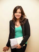 Madhu Shalini Glam pics at Citizen Audio-cover-photo