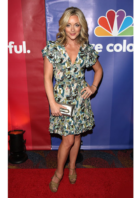 celebrity heights how tall are celebrities heights of celebrities how tall is jane krakowski. Black Bedroom Furniture Sets. Home Design Ideas