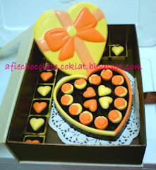 SET CHOC LOVE BOX RIBBON ~ SIZE 'L' @RM85