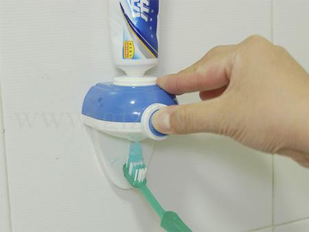 Диспенсер зубной пасты