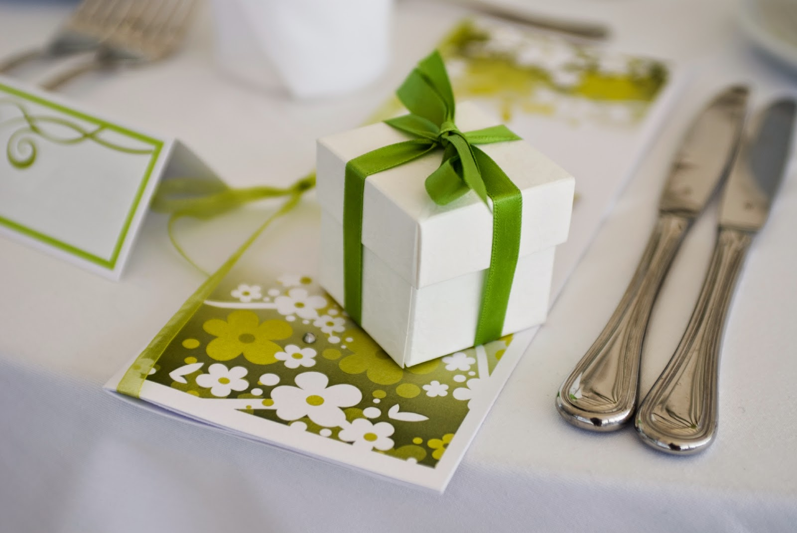 Hampergift Eco Friendly Gift Wrap Alternatives For The Wedding Season