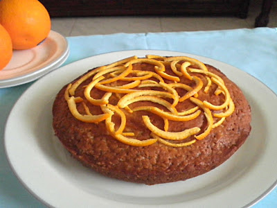 Eggless Cake Recipe @ http://treatntrick.blogspot.com