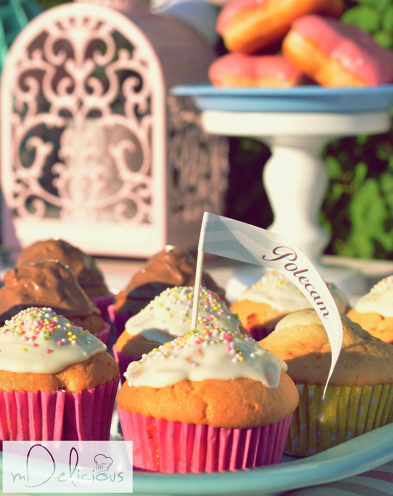 muffinki truskawkowe, muffinki z truskawkami, babeczki truskawkowe, babeczki z truskawkami