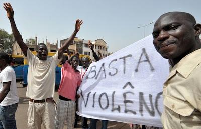 Guiné Bissau: Meia centena de jovens manifestaram-se na capital, um ferido